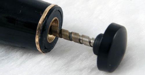 金屬桿上墨鈕是VT的特色